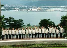 President Fidel Ramos considered Subic Bay such a success, he designated it (instead of Manila) as the location for the 1996 APEC summit, in which 18 heads of state met. Among them were Chinese president Jiang Zemin, Malaysian prime minister Mahathir Mohamad, the Sultan of Brunei, Hassanal Bolkiah, and US President Bill Clinton (at the far right).